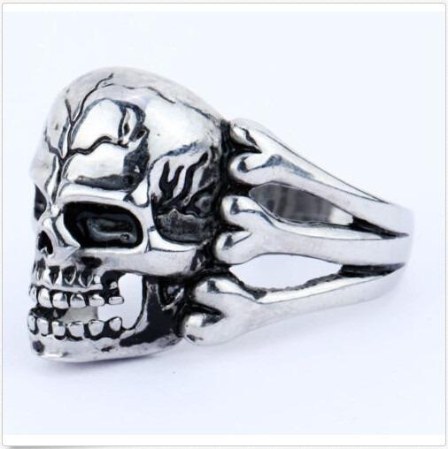Anel Unissex Metal Hand Skull Mão Caveira Rock Punk Gótico