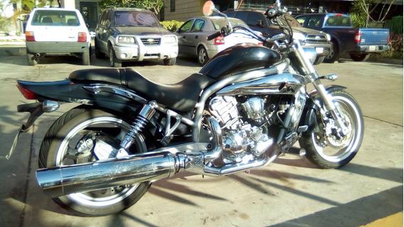 Aguila Hyosung 650 Negra