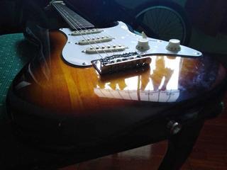 Guitarra Eléctrica Squier By Fender