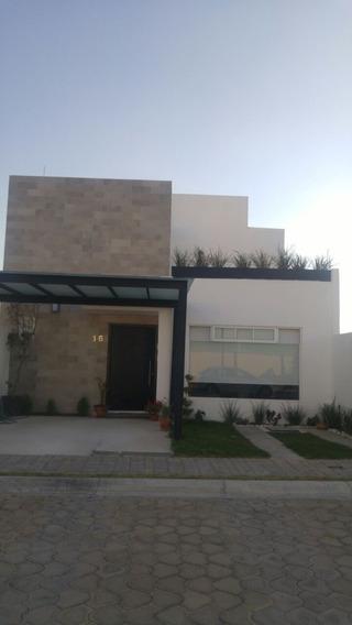 Se Vende Hermosa Casa En Lomas De Angelópolis