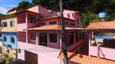 Linda Casa Com 6 Cômodos E 3 Banheiros, Infra Estrutura Comp