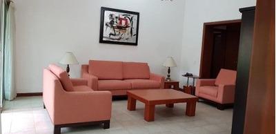 Casa En Renta En Valle Real, Zapopan
