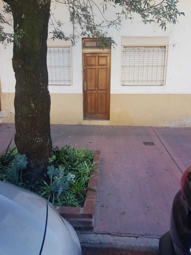 Imagen 1 de 13 de Ph , 2 Ambientes Al Frente Con Entrada Independiente Sin Exp