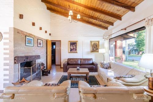 Muy Linda Casa En Venta En Playa Mansa + Punta Del Este Cuatro Dormitorios- Ref: 27250