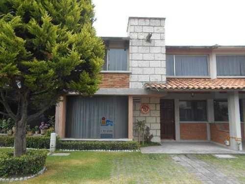 Excelente Casa En Renta En El Fraccionamiento La Gavia, Colonia Providencia, Metepec