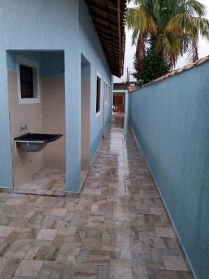 Casa Em Itanhaém 1000 Metros Da Praia.