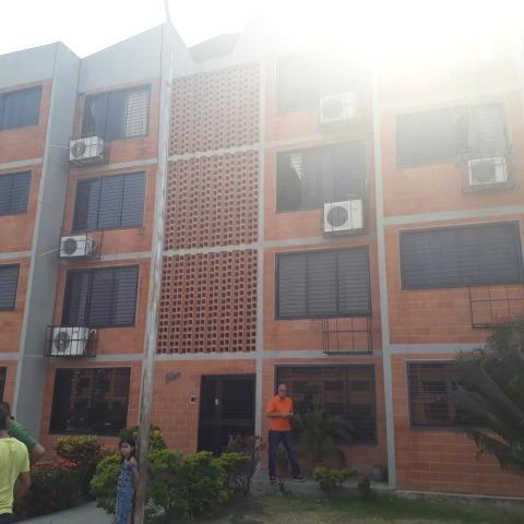 Apartamento De 72mts2 Urb.privada Maracay Gbf20-7263