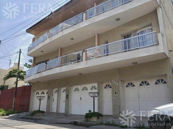 Venta De Departamento Triplex Tipo Casa De 3 Ambientes Con Patio En Sarandi (26306)