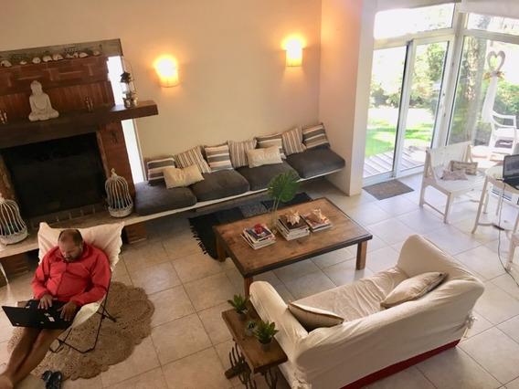 Espectacular Casa En Cariló. Zona Golf