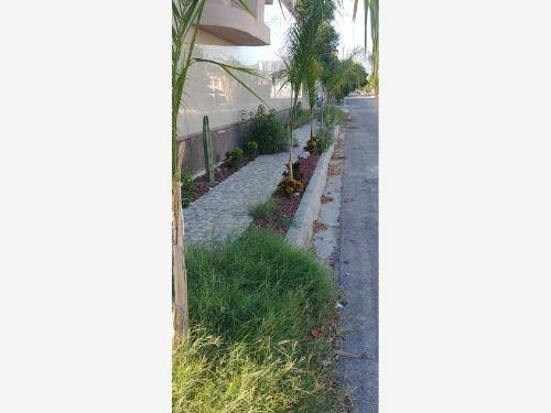 Casa En Renta En Villa De Las Flores