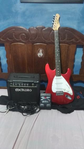 Guitarra Stratocaster, Amplificador Meteoro E Pedaleira.