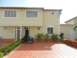 Bm 20-10995 Town House En Venta, Villas De Buenaventura