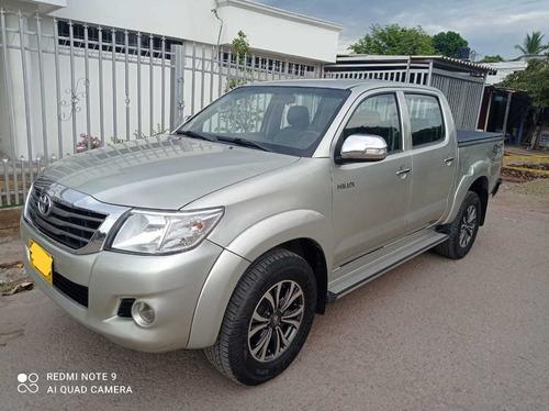 Toyota Hilux 2.7 A Gasolina Mecanica 4x4 Y Bajo