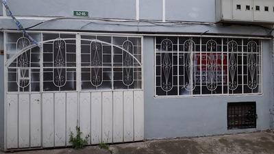 Casa Con 2 Departamentos Independientes, Cerca Quicentro Sur