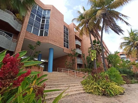 Apartamento En Alquiler En C R Francisqui, C/todos Servicios