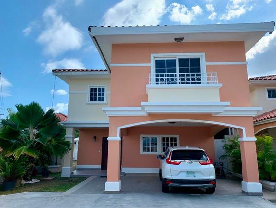 Casa En Alquiler En Costa Sur Villa Valencia #20-3114hel**