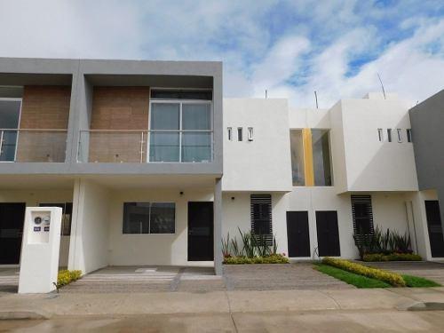 Casa En Venta En Villa De Pozos Muy Cerca De La Zona Industrial