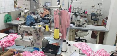 Aluga-se Facção De Costura Completa Com 17 Máquinas
