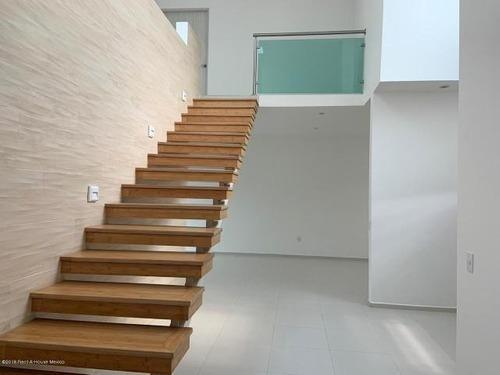Casa En Renta En Cañadas Del Lago # 19-2435 Jl