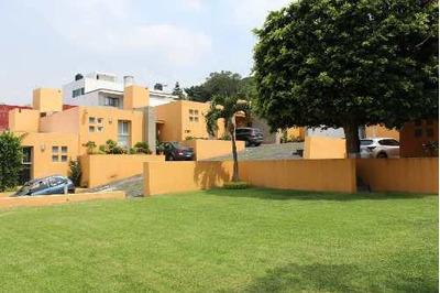 Casa En Venta En Condominio En Un Nivel En Lomas De Cortes