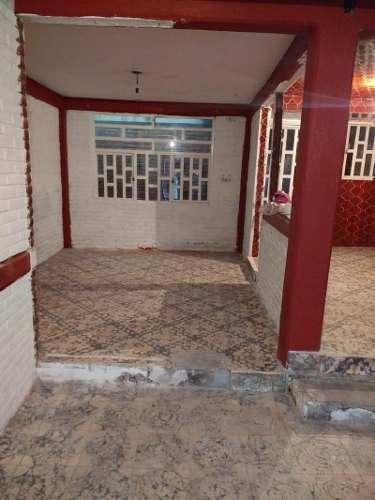 Casa En Venta Con Uso De Suelo Comercial En Planta Baja De 101 Metros De Terreno. Libre De Gravamen.