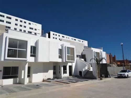 Hermoso Departamento En Juriquilla, Junto A Uvm Y Fresko, 3 Recámaras, Alberca..