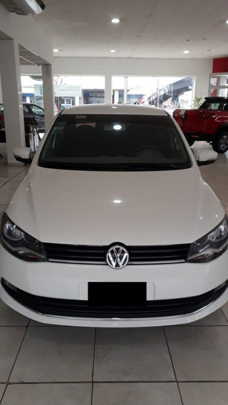 Volkswagen Voyage 1.6 2015