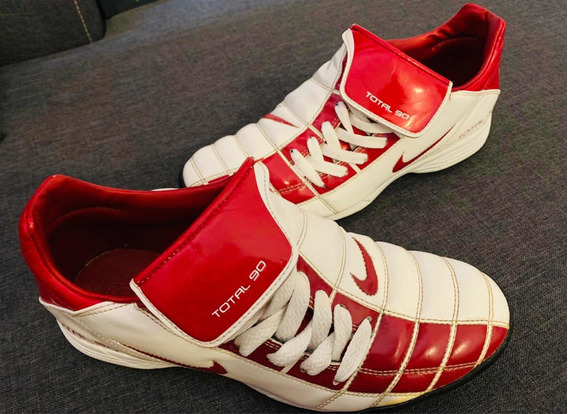 Nike Total 90 Red Modelo Único