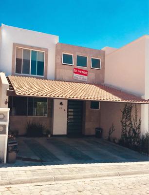 Casa En Venta En Puebla, Fracc. Lomas Del Valle