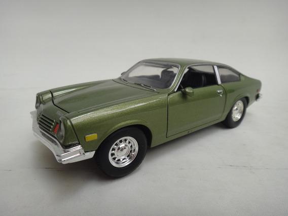 Chevrolet Vega 1974 1/24 Miniatura Motormax Muscle Car Mini