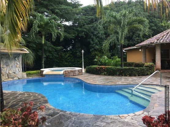 Casa Safari Carabobo Country Club