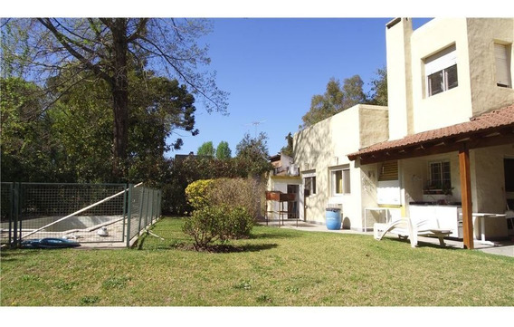 Casa En 2 Plantas , Country Los Troncos, Pilar.