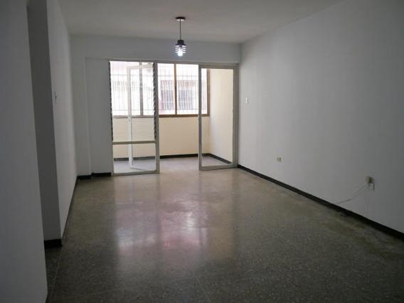 Apartamento Venta Este De Barquisimeto 20-3248 As