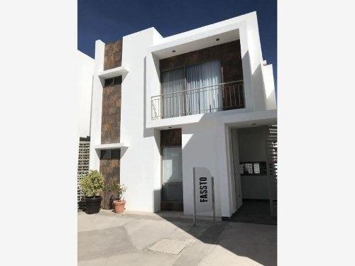 Casa Sola En Venta Fracc. Palma Real