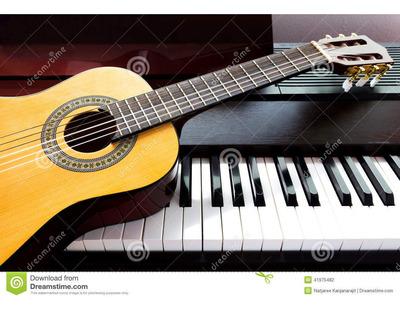 Clases De Piano Y Guitarra A Domicilio, Maestro Profesional