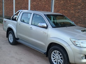 Toyota Hilux 3.0 Cd Srv Cuero I 171cv 4x4 5at