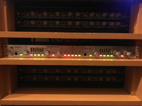 Pré Amplificador Valvulado Dbx 386 Stereo