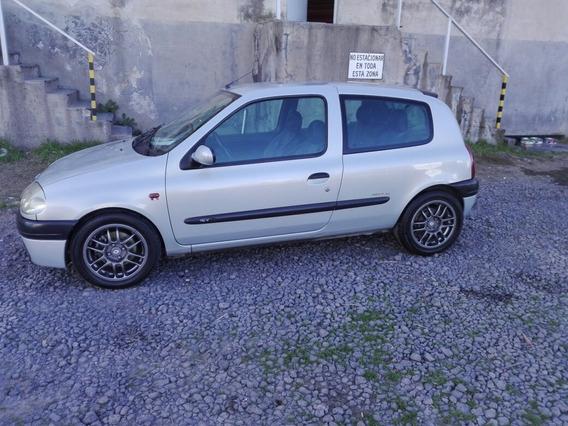 Renault Clio 1.6 Sport 2001