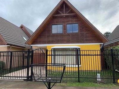 Casa Practicamente Nueva Ubicada En Sector