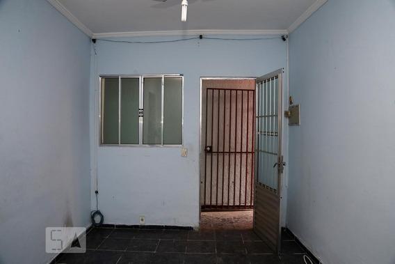 Casa Para Aluguel - Parque Pinheiros, 2 Quartos, 50 - 893000655