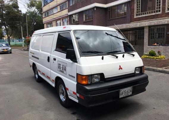 Mitsubishi L300 2002