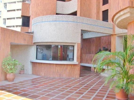Apartamento En Venta. Bella Vista. Mls 20-2165. Adl.