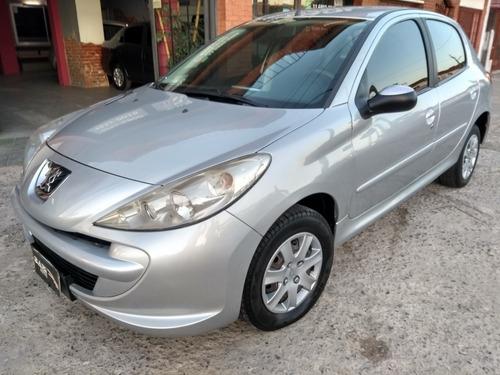 Peugeot 207 2014 1.4 Allure 75cv