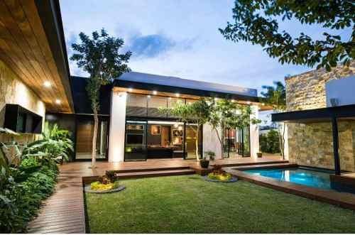Casa De Una Planta En Privada!!! Automatizada, Paneles Solares, La Mejor Zona!!!