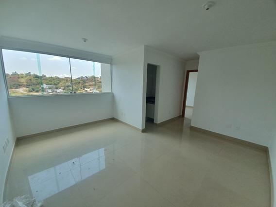 Apartamento De 02 Quartos No Bairro Cabral - Adr4496