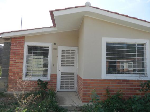 Linda Casa En Venta En Barquisimeto #21-1195
