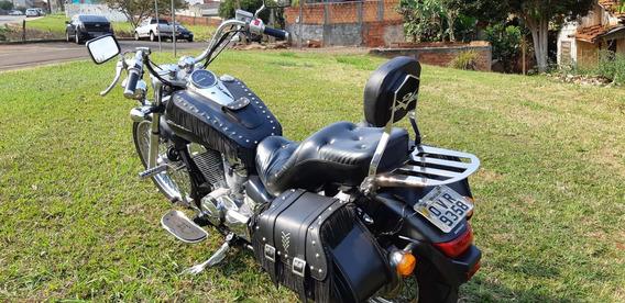Moto Shadow 750 - Ano 2013