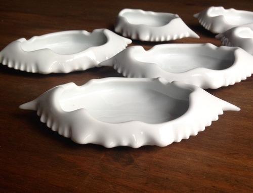 Imagem 1 de 3 de Kit 6 Casquinhas De Siri Porcelana Branca Forno E Microondas