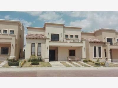 Casa Sola En Renta Provenza, Residencial Con Alberca.