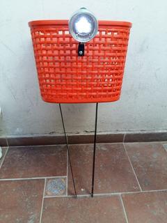 Canasto Plastico Delantero Con Farol De Luz Led Para Bicicle